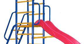 В новых моделях KAMPFER Горка имеет гладкую поверхность и оборудована высокими бортиками и удобными поручнями, что обеспечивает дополнительную безопасность детей во время катания.